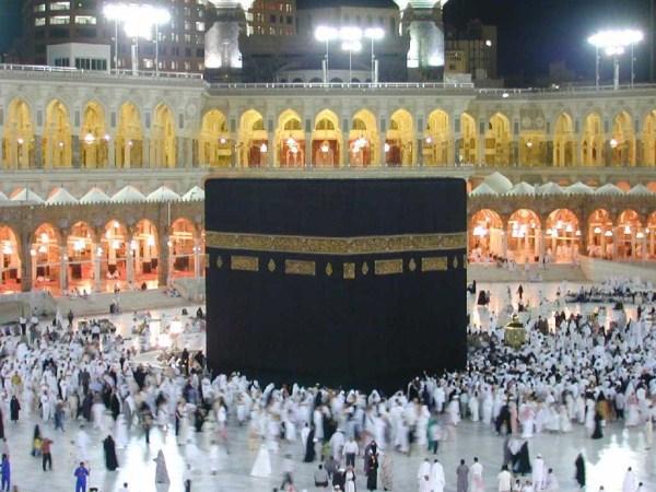 Ibadah Sekaligus Refreshing Lewat Paket Travel Umrah