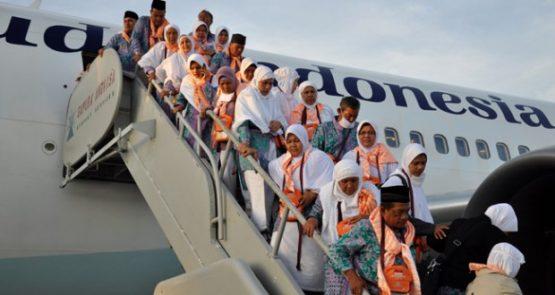 Alhamdullilah, Para Jemaah Haji Tahun 2016 Dari Kloter Pertama Akhirnya Tiba Di Indonesia