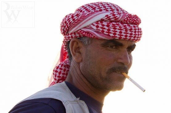 masyarakat-arab-merokok
