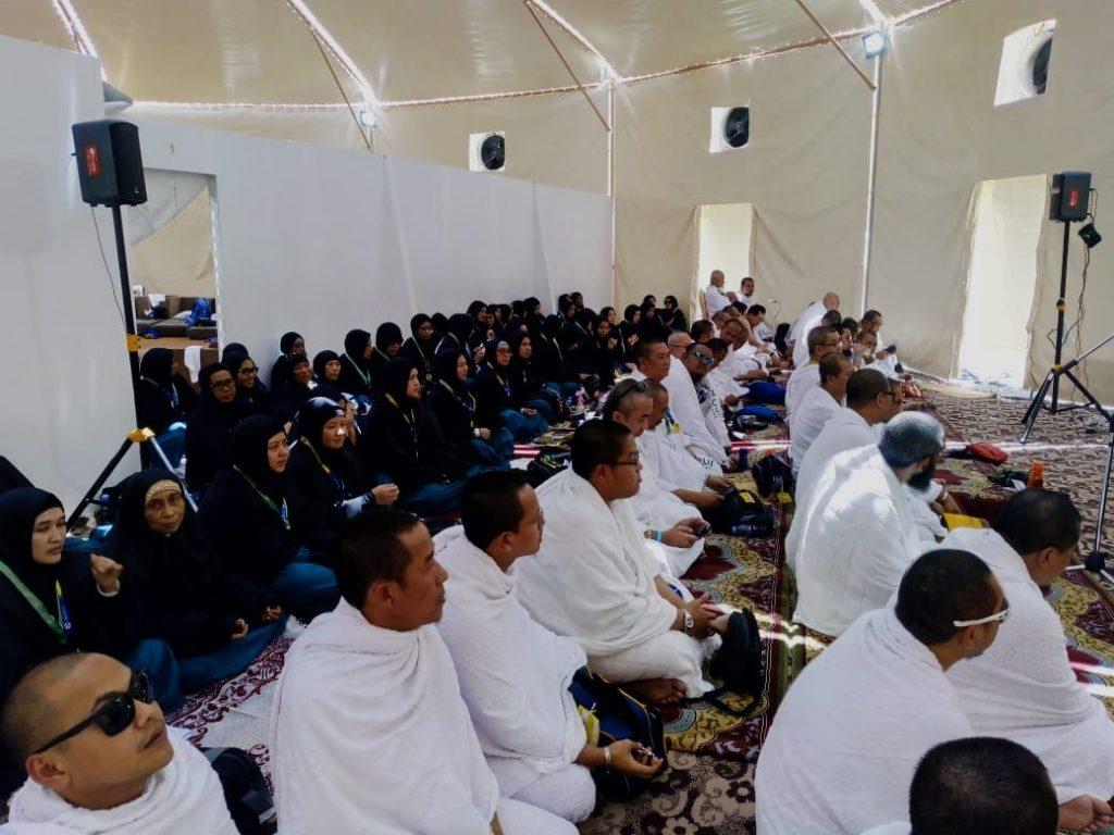 Jamaah Haji Munatour Doakan Umat Islam Seluruh Dunia